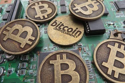 Курс биткоина в 2018 году может подняться до $15-50 тысяч заявили эксперты
